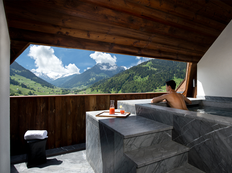 Швейцария,  Alpina Gstaad – $10 852 за ночь
