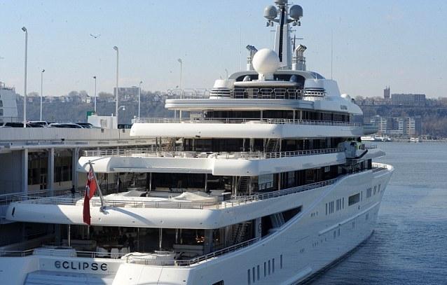 Мега-яхта была построена на верфи Blohm + Voss в Гамбурге
