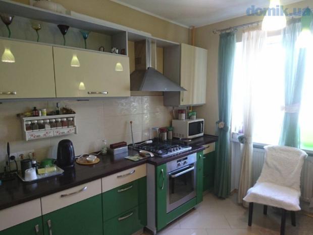 Кухня с полным набором оборудования
