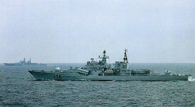 Китай утверждает,что нефть в море принадлежит им