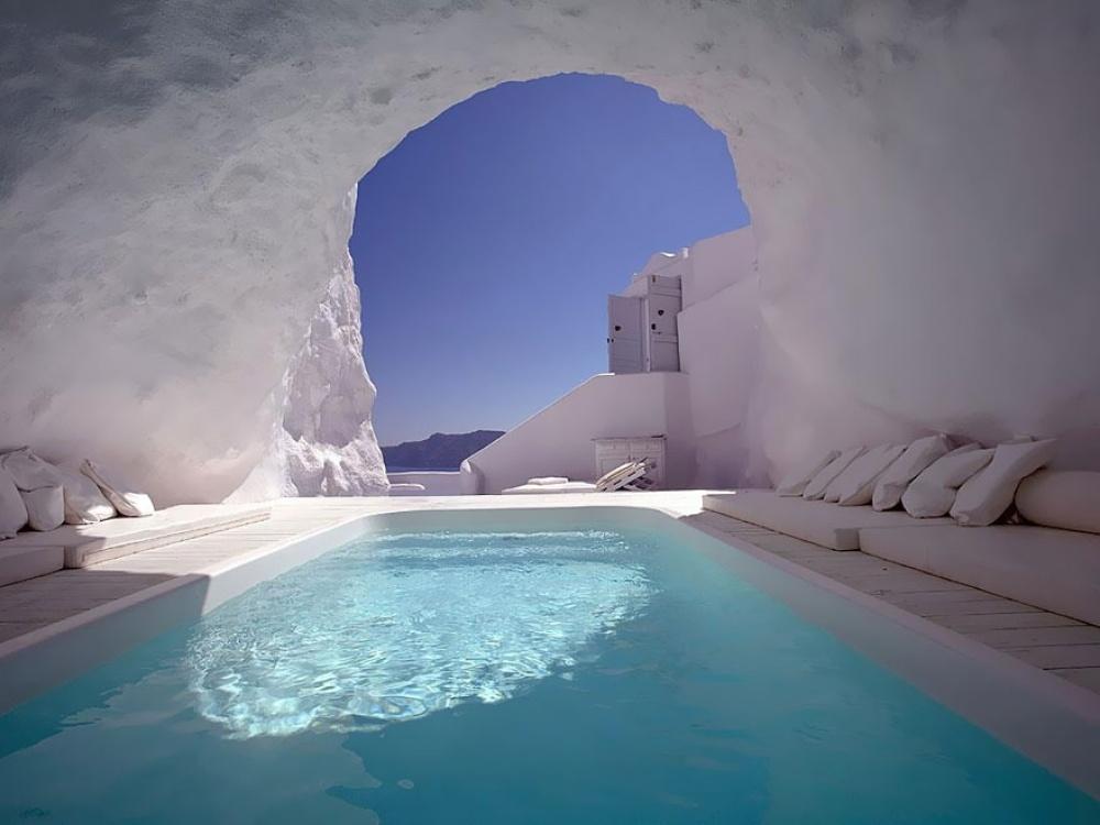 Бассейн в скале, отель в Греции Katikies