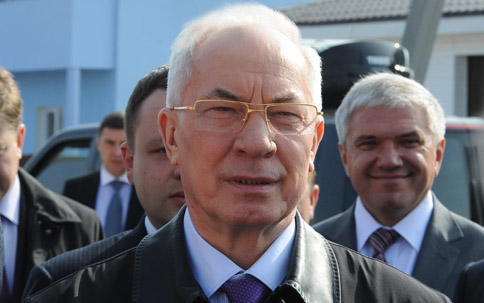 Азаров хочет создать рабочие места в сельской местности