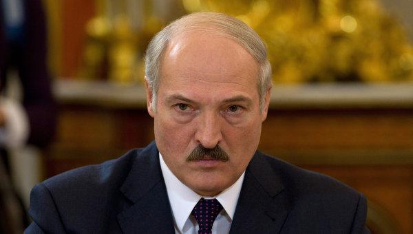 """Prezident """"zəhərli neft"""" probleminin həllini tələb etdi"""