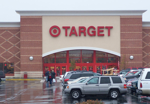 Фальшивомонетчик расплатился странной купюрой в одном из маркетов сети Target