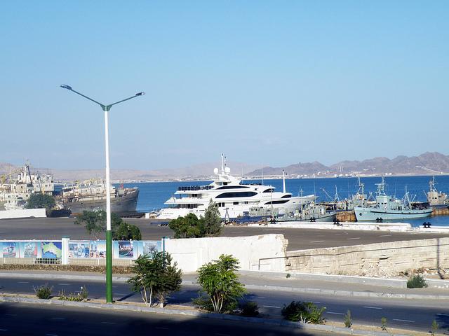 Президентская яхта, на которой развлекался туркменский министр с любовницей