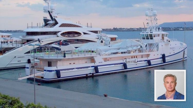 Два судна Косюка ходят вместе