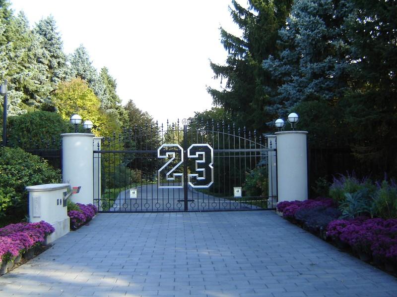 Легенда НБА Майкл Джордан продает свой особняк за 29 миллионов долларов
