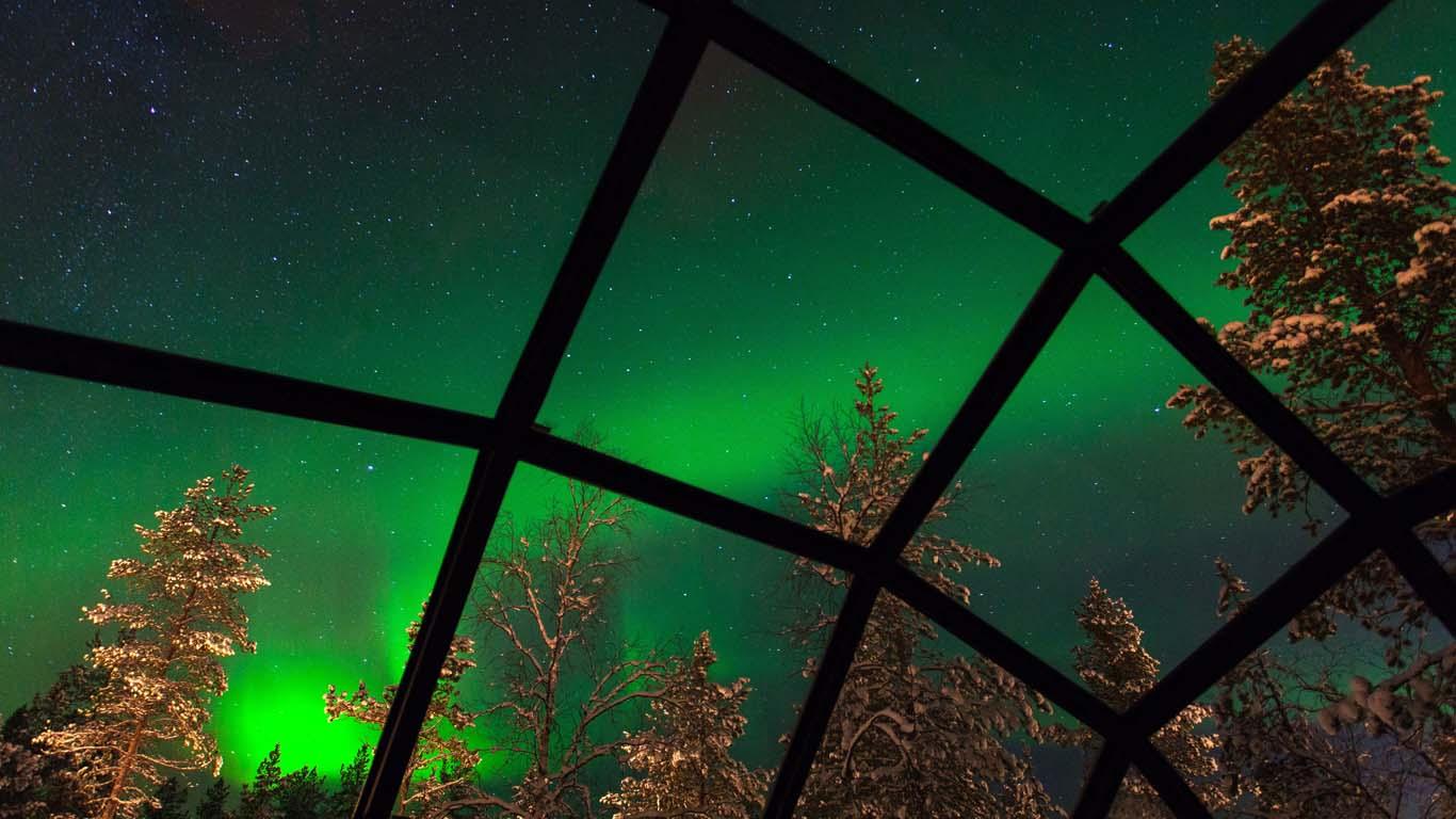 Прозрачный отель в Финляндии Kakslauttanen