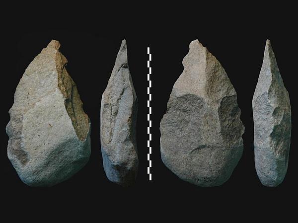 Ручные каменные топоры, найденные в Кении