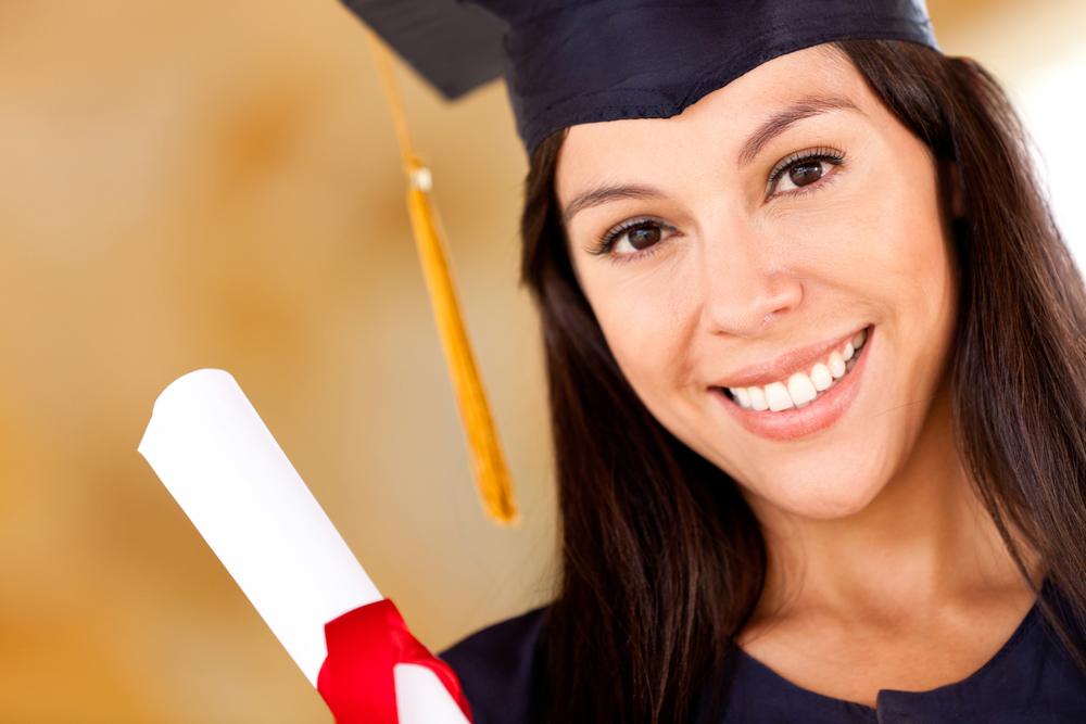 Выпускники вузов покупают дипломы по 2000 гривен