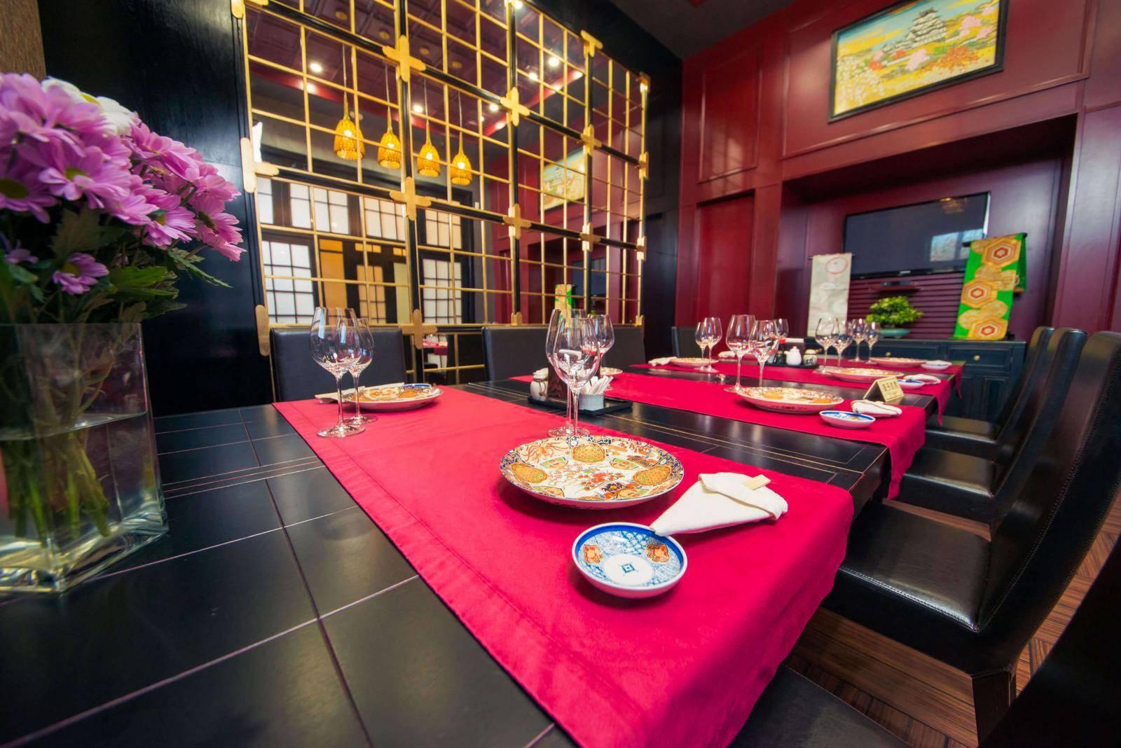 Ресторан Fujiwara Yoshi  на ул. Соломенская, 15 а