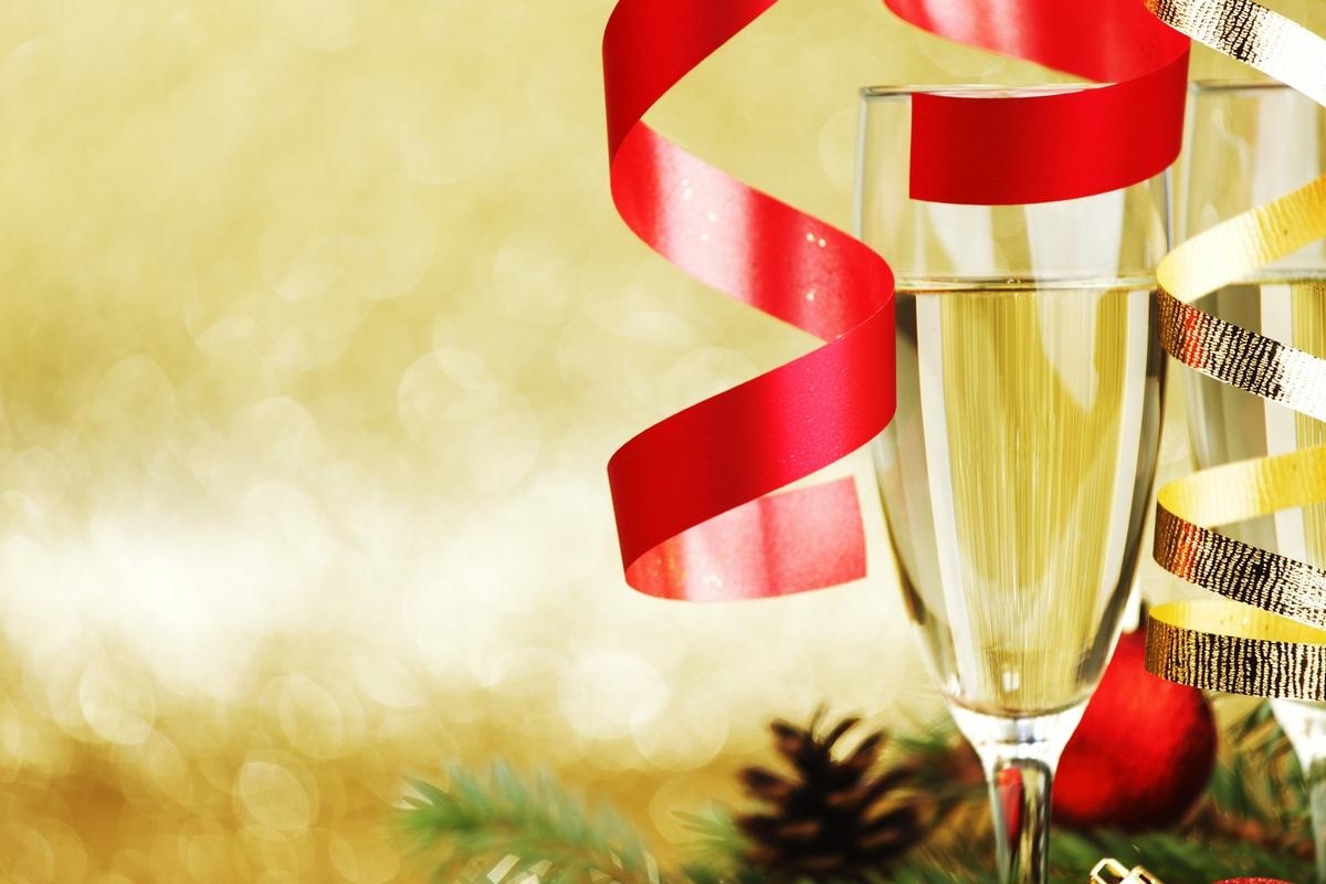 Новый год отмечается в украинских офисах чаще всего
