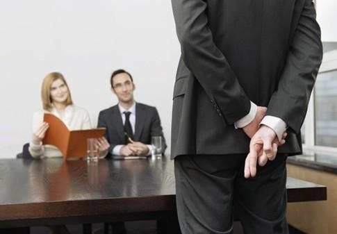 Около 50% кандидатов приукрашивают факты о себе на собеседовании