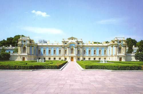 На прием гостей ушло более 190 млн. гривен