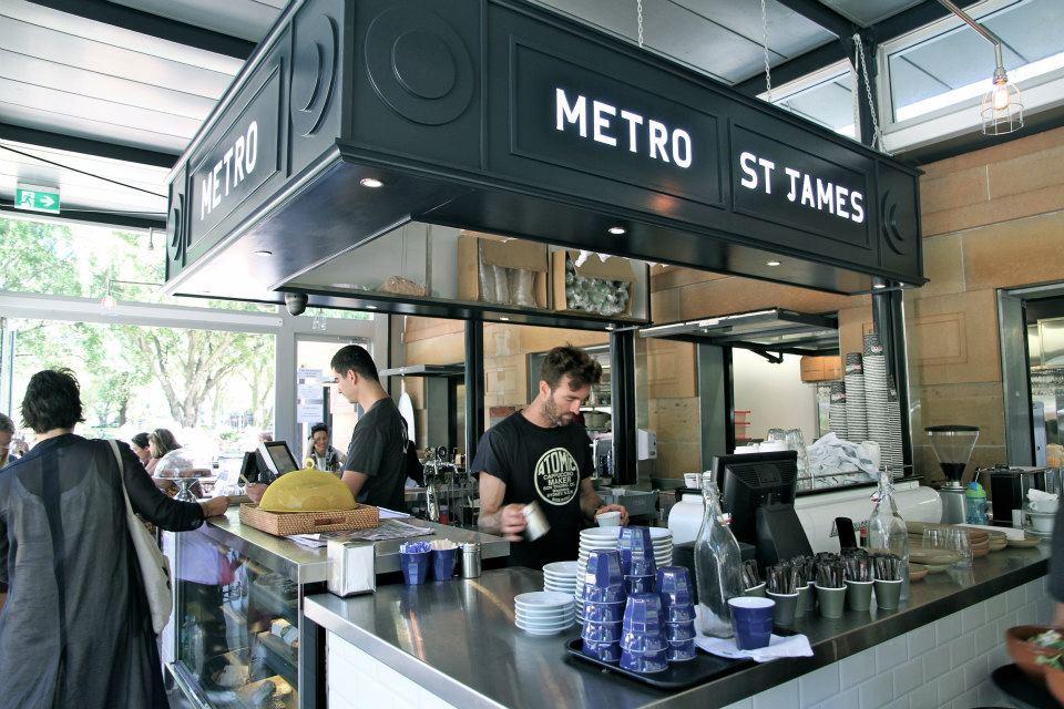 Французское кафе в центре Сиднея любит привлекать посетителей необычными акциями
