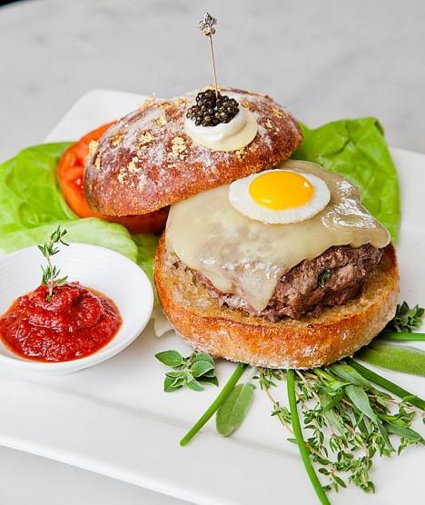 Гамбургер Le Burger Extravagant стоит $295