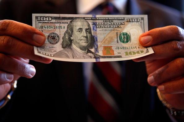 В ЕС всплеск спроса на 100-долларовые купюры