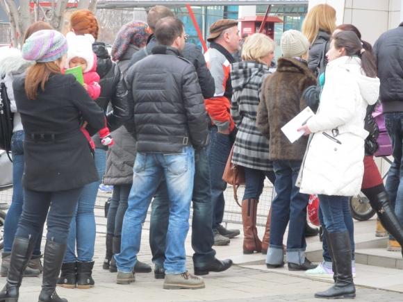 Очереди перед банкоматом в Харькове