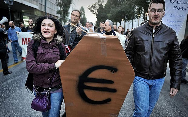 Хоронили евро - порвали два баяна