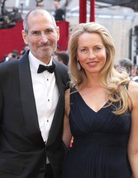 Лорен Пауэлл Джобс с покойным мужем