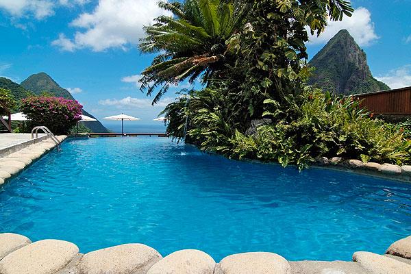 Шикарный бассейн отеля Ladera Resort