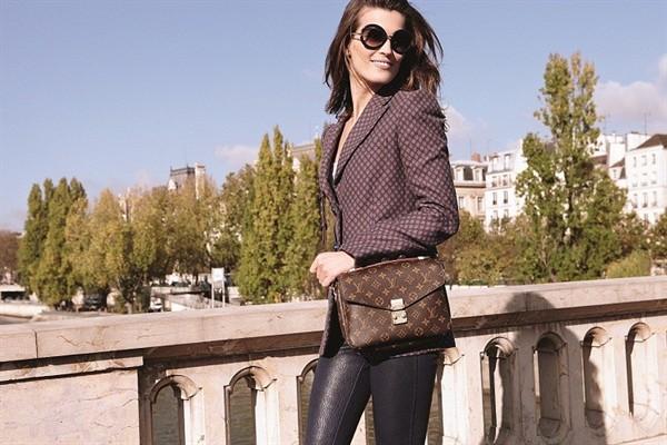 При зарплате 1750 грн. учительница купила модный аксессуар за 10 600 грн.