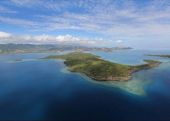 Остров продается не только с пальмами и песком, но и довольно приличных размеров особняком