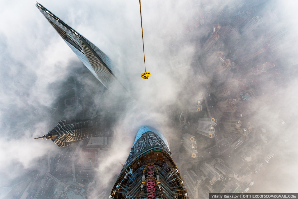 Руферы на Шанхайской башне
