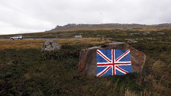 В споре за нефть сошлись Аргентина и Британия, а страдают Фолклендские острова