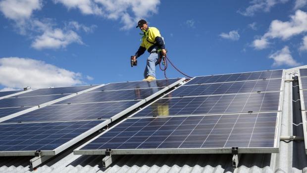 Процесс установки солнечных батарей