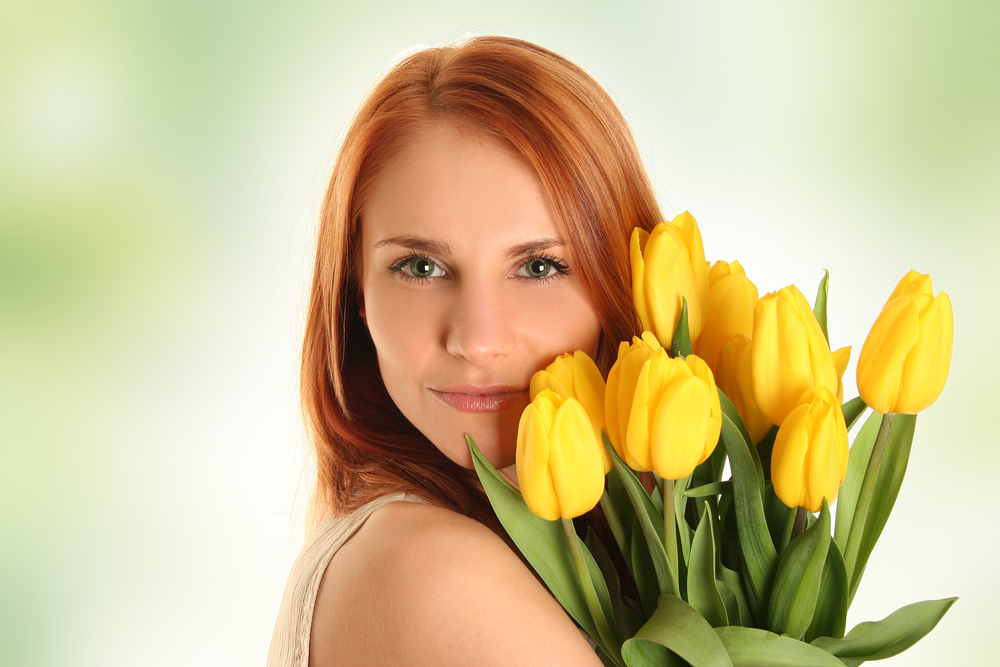 Подарить цветы жене