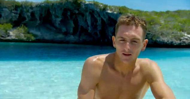 Дайвер Уильям Талбридж совершил в Голубой Дыры Дина рекордное погружения без акваланга в 2010 году
