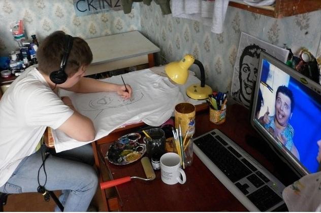 Талантливый и предприимчивый студент за работой