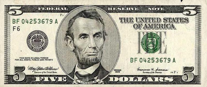 Преступник использовал изображение Линкольна на 100-долларовой купюре, хоть этот президент украшает 5-долларовую