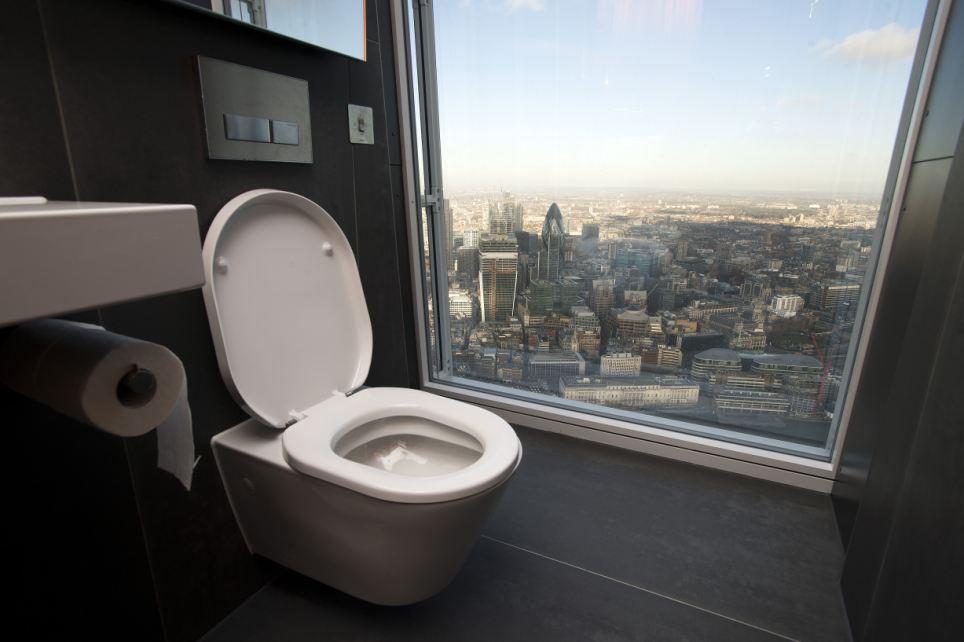 Туалет с видом на Лондон на высоте 68 этажа. Спустить брюки на виду у всего города можно будет за 25 фунтов