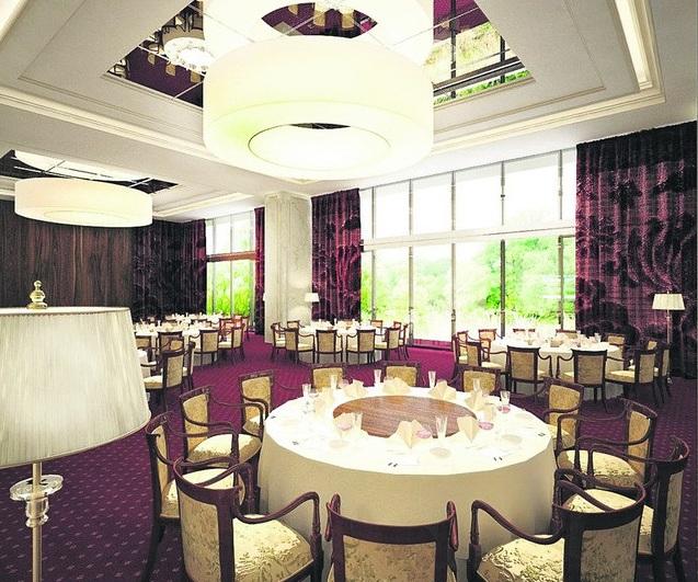 Ресторан. Будет одним из самых больших в Киеве, а посетители смогут любоваться Днепром.