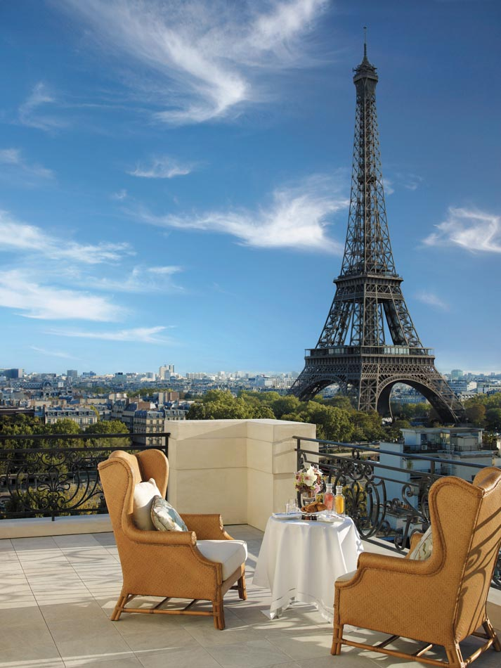Гостиница с видом на Эйфелеву башню
