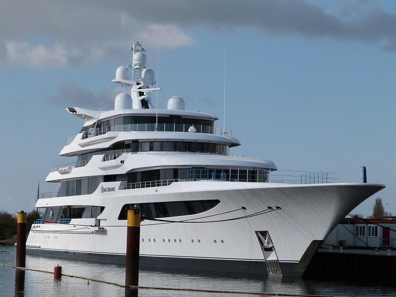 Одна из самых дорогих в мире яхт - Royal Romance