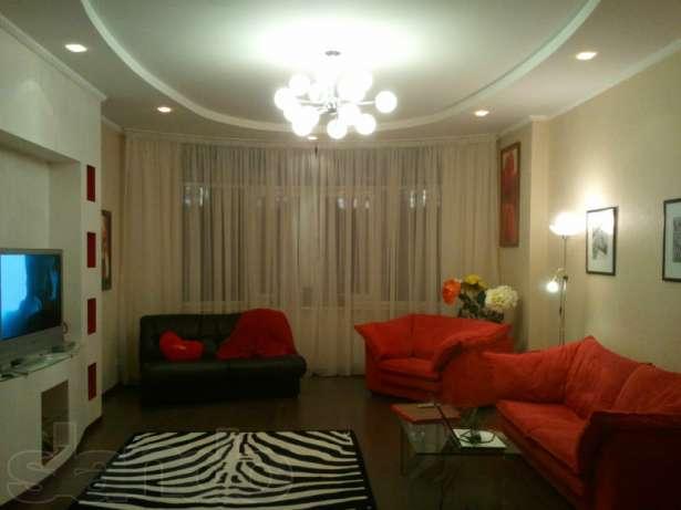 В обычные дни аренда этой 2-комнатной квартиры на Нивках - 400 грн./сутки, а в новогоднюю ночь – 800 грн
