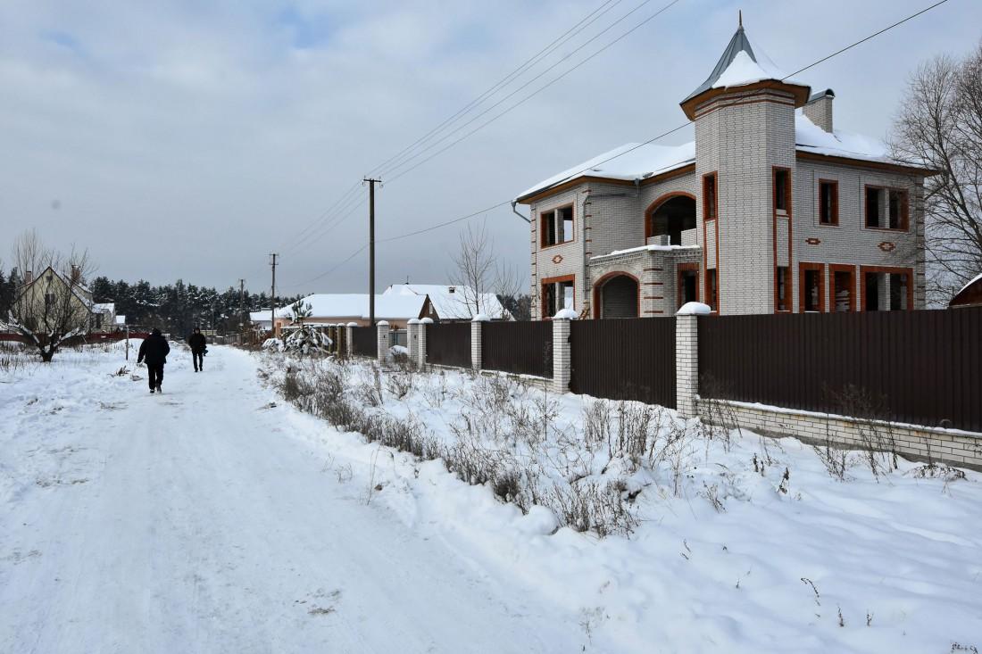 Недостроенный дом, в котором находились оперативники