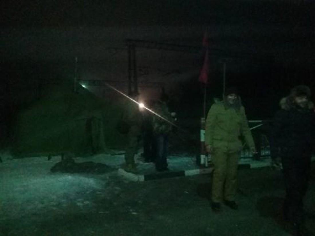 Блокада осуществляется на участке вблизи станции Фенольная