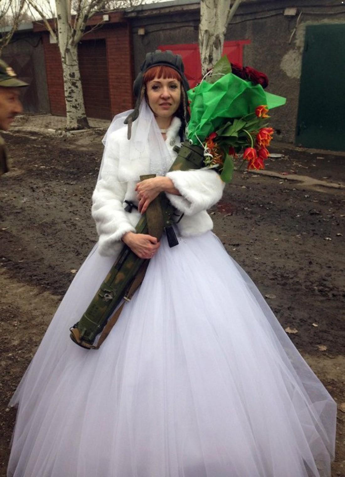 Боевики отметили свадьбу в свойственной им манере