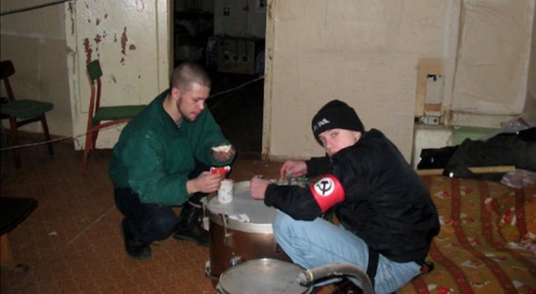 Ананьев на фото слева