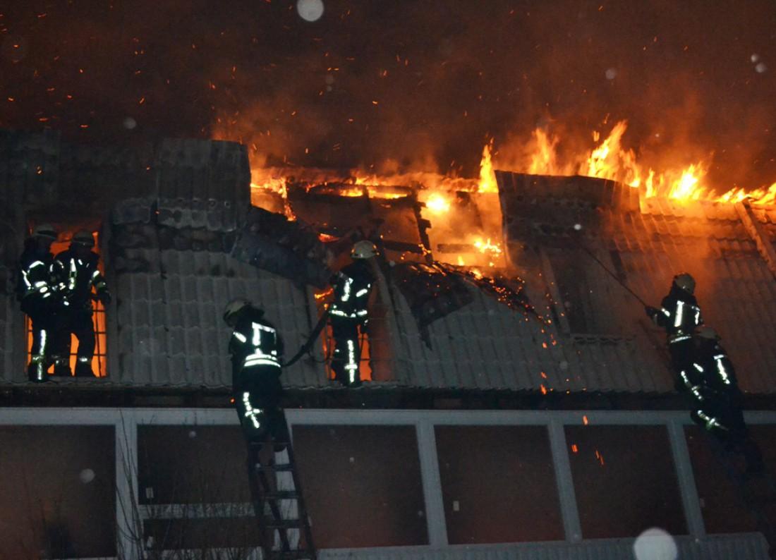 Огонь уничтожил 10 квартир вновостройке вОдессе