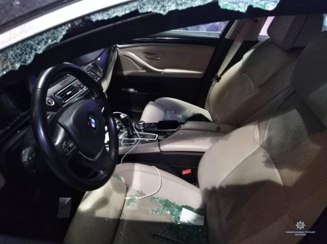 Злоумышленники скрылись с места преступления на Porsche