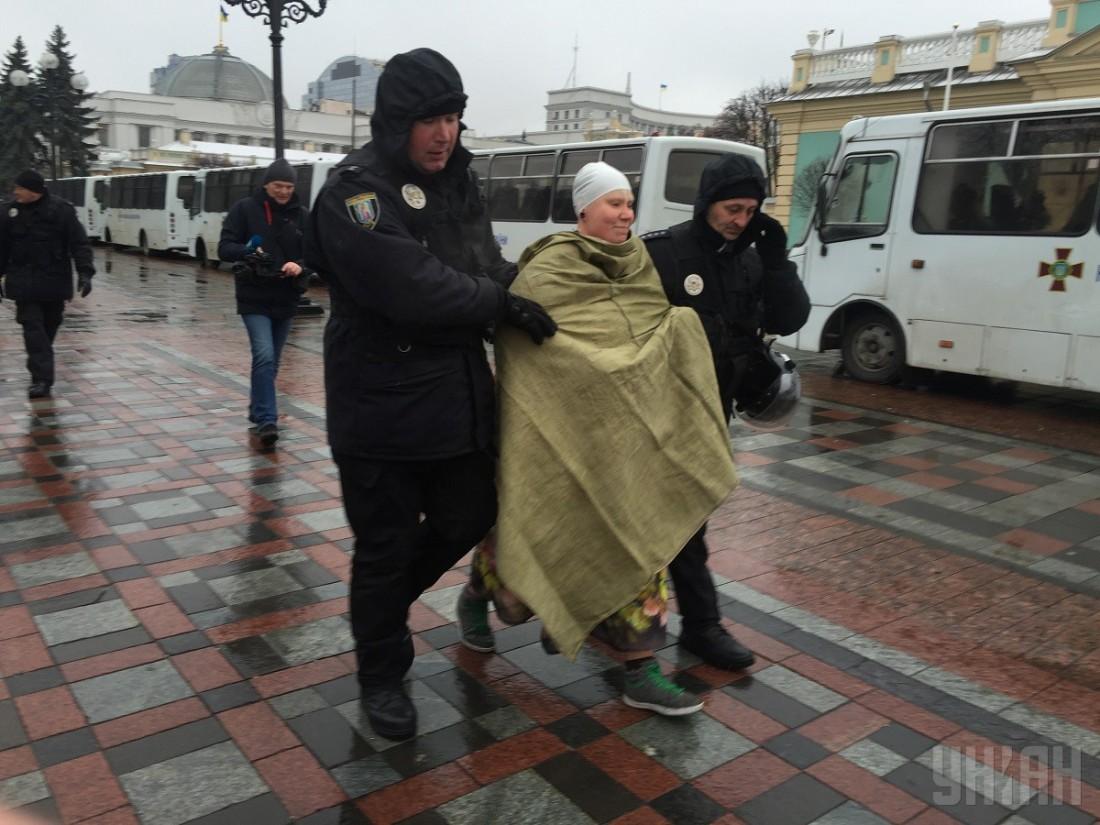 Во время своей акции женщина была задержана полицией