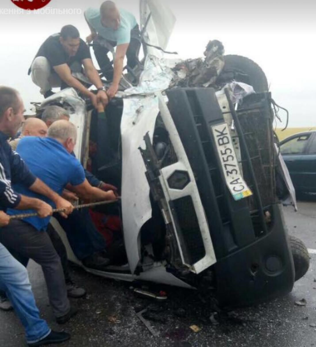 Свидетели происшествия кинулись на помощь пострадавшим