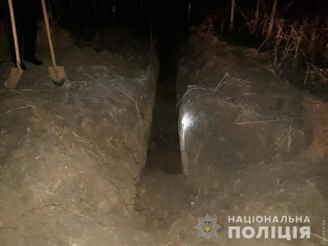 Воры успели прокопать около 40 метров траншеи вдоль водопроводной сети