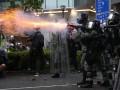 Полиция применила оружие на протестах в Гонконге