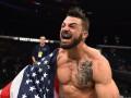 Боец UFC нокаутировал пожилого мужчину в ресторане
